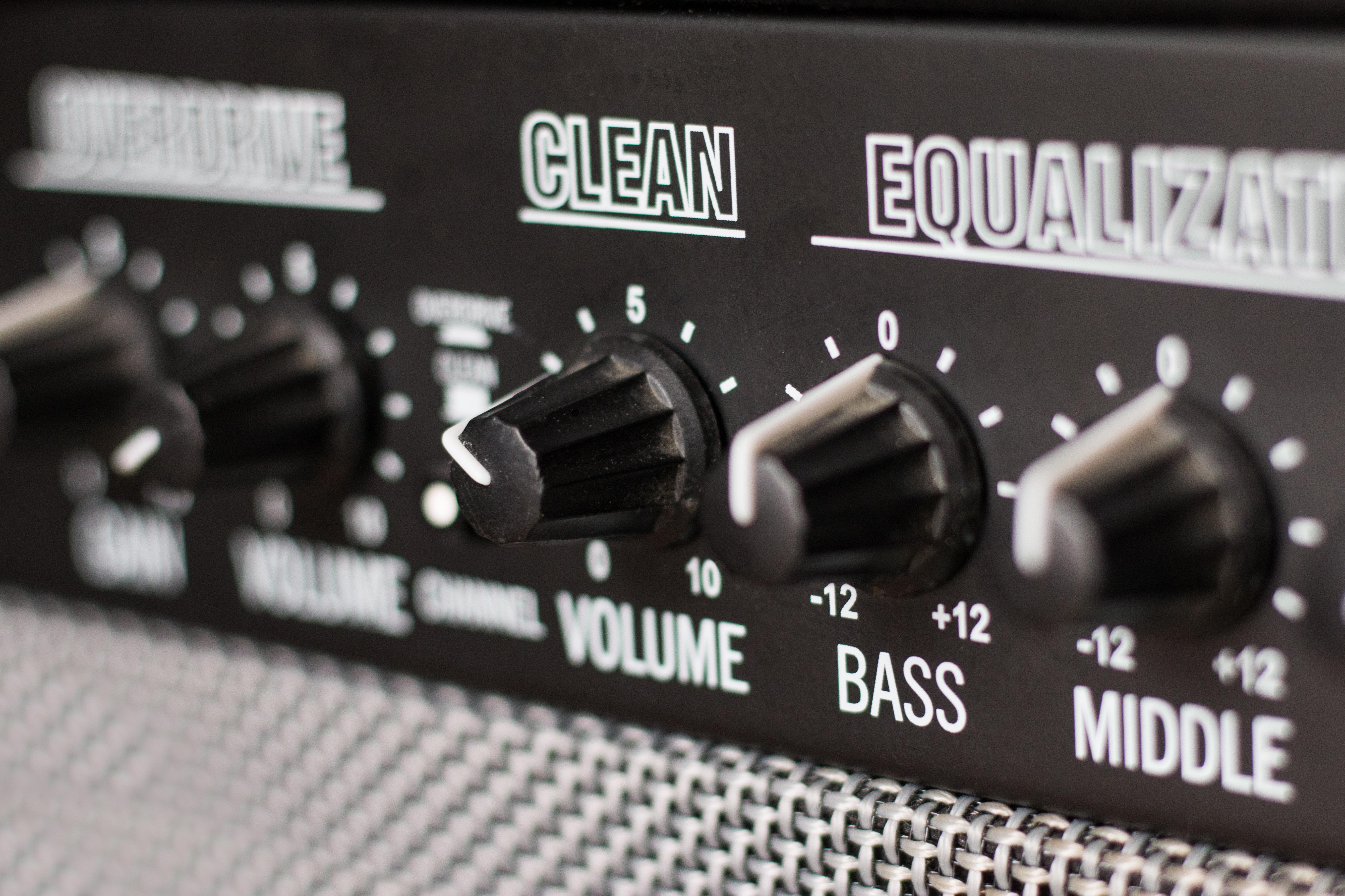 Come equalizzare chitarra elettrica
